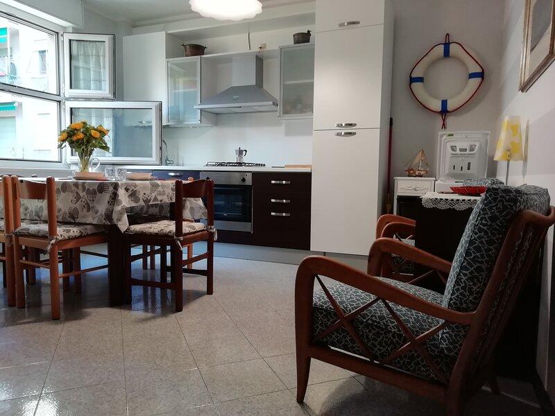ILA3014  Da Antonietta by Holiday World, aluguéis de temporada em Chiavari