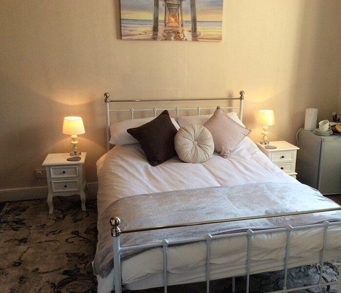 Intown Apt Suite, Berwick-Upon-Tweed, holiday rental in Spittal