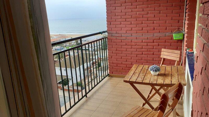 3min de playa y vistas, holiday rental in Punta Umbria