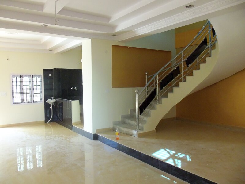KK RESIDENCY IS AN FULLY FURNISHED THREE FLOOR VILLA, holiday rental in Secunderabad
