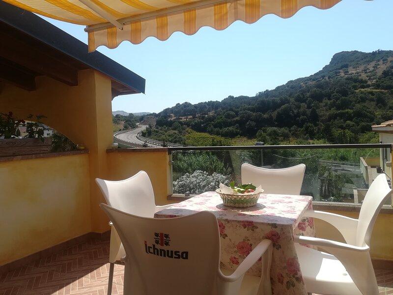 Nice apartment with sea view & Wifi, location de vacances à Multeddu