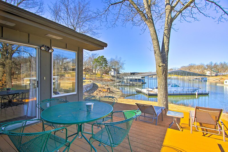 NEW! Sunny Waterfront Family Home on Grand Lake!, holiday rental in Bernice