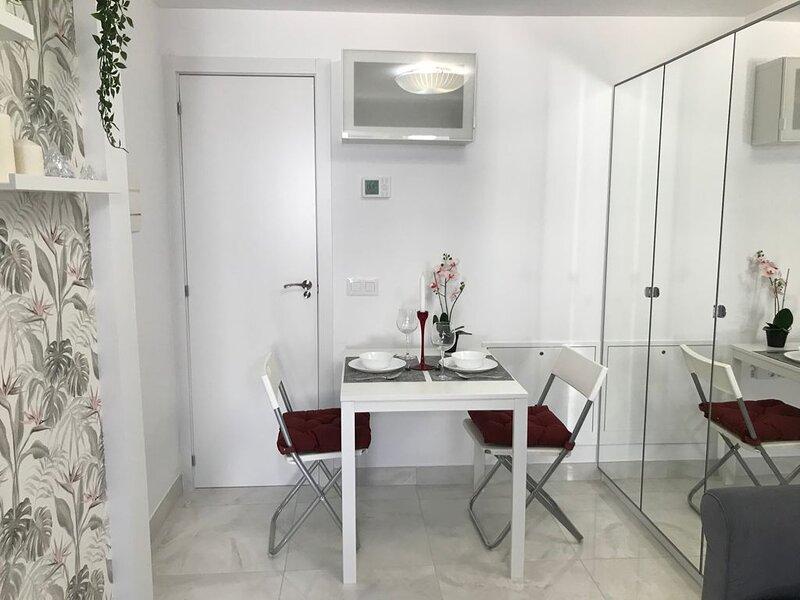 Precioso Apartamento Estudio Nuevo con jardín privado., alquiler de vacaciones en Azuqueca