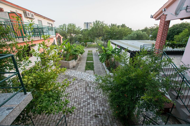 Comfortable place for 2 near Paklenica NP, vacation rental in Starigrad-Paklenica