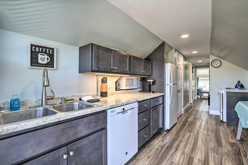NEW! Old Orchard Beach Apt - Quick Walk to Beach!, alquiler vacacional en Scarborough
