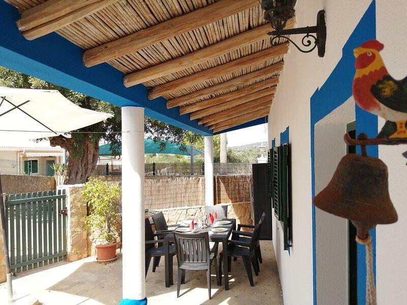 Villa V3 Perto de Albufeira WiFi, BBQ, Terrace, Park, location de vacances à Boliqueime