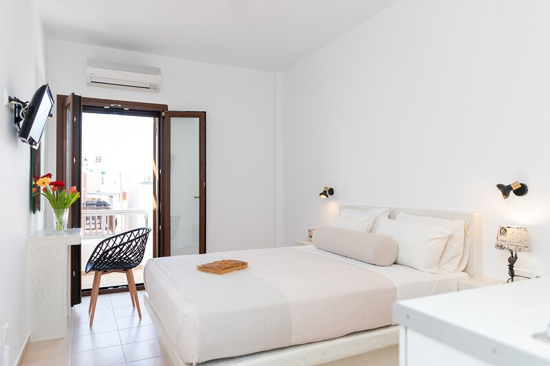 Depis Superior double room in naxos greece, holiday rental in Agkidia