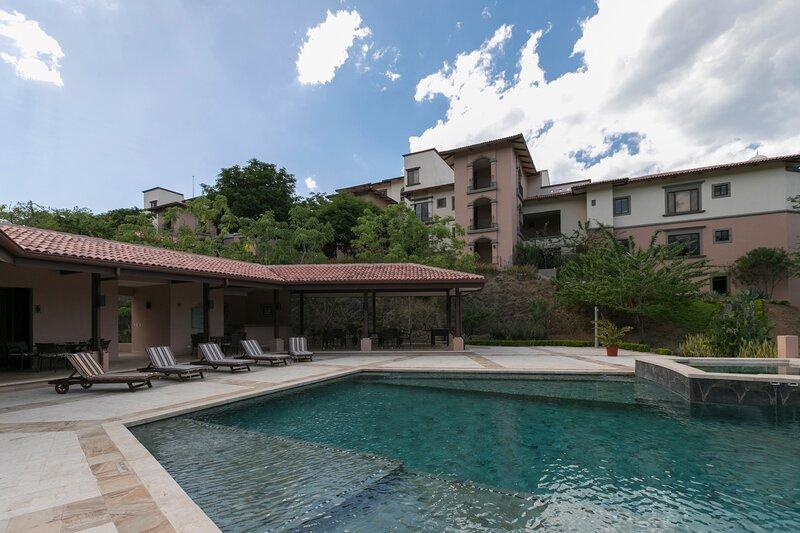 A6 - Luxury Penthouse Ocean View Reserva Conchal, holiday rental in La Garita Nueva