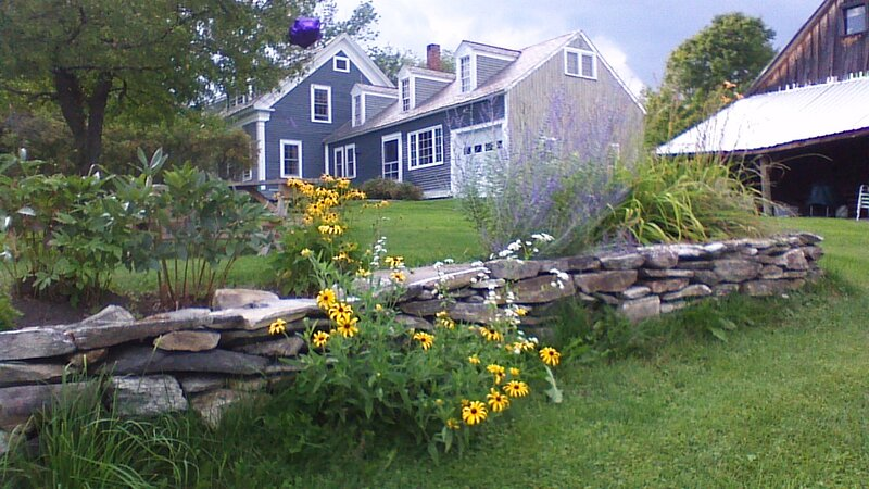 Charming VT Farmhouse with awesome mountain views. Children welcome., holiday rental in Londonderry