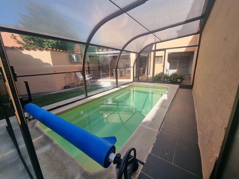 Beautiful villa with swimming-pool, aluguéis de temporada em Losacio