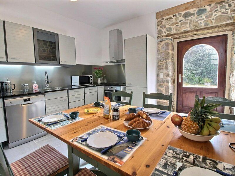 Maison blanche, holiday rental in Treguier