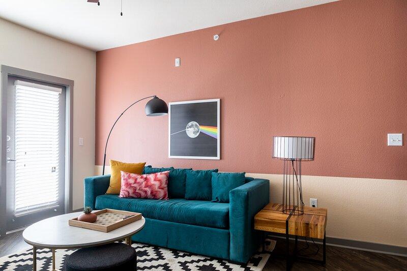WanderJaunt | Waylon | 2BR | Alamo Heights, holiday rental in Castle Hills