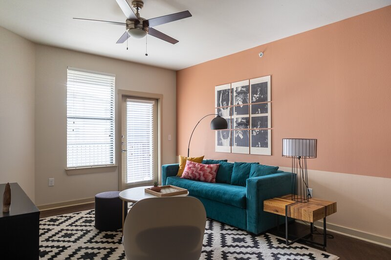 WanderJaunt | Ailey | 2BR | Alamo Heights, holiday rental in Castle Hills