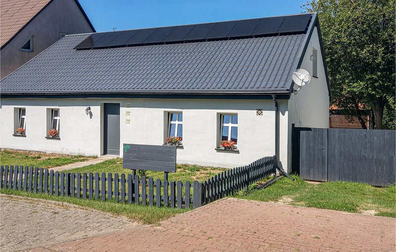 Amazing home in Kiszkowo with WiFi and 2 Bedrooms (PPW132), holiday rental in Oborniki