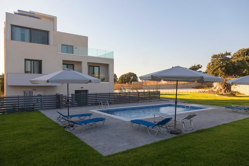 Three Ways Apartments - 2, holiday rental in Koskinou