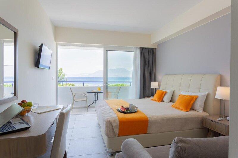 Faedra Beach - Triple Room, holiday rental in Amoudara