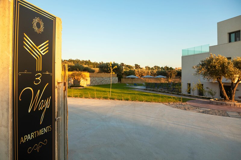 Three Ways Apartments - 5, holiday rental in Koskinou