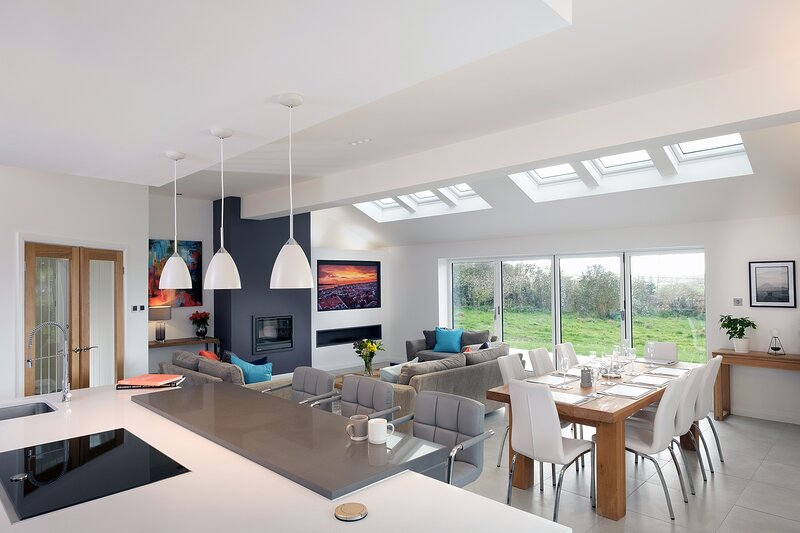 Stunning Contemporary Barn Conversion Near Chester, location de vacances à Bridge Trafford