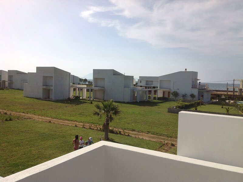 Two bedroom villa with private garden and sea view., holiday rental in Gastouni