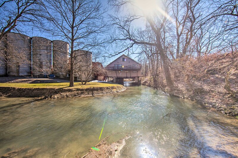 Apartment Exterior | Running Creek | Attached to Flory Stone Mill