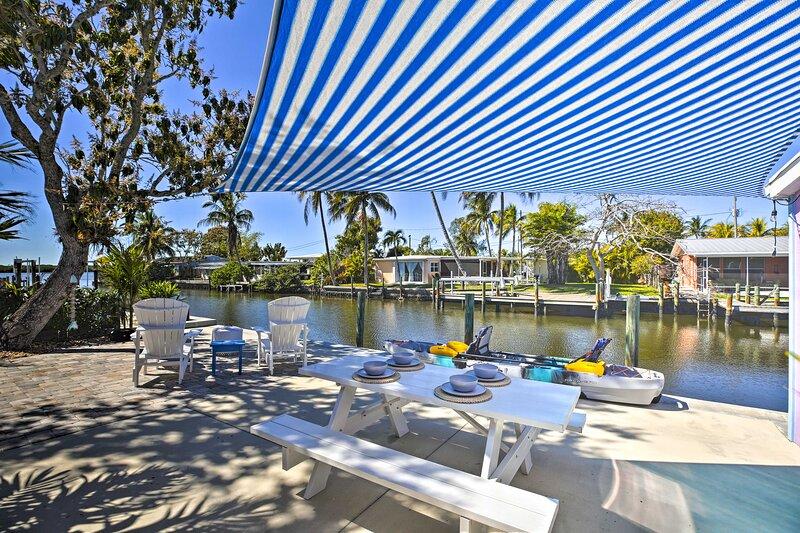 NEW! Matlacha Island Cottage - Waterfront Getaway!, holiday rental in Matlacha