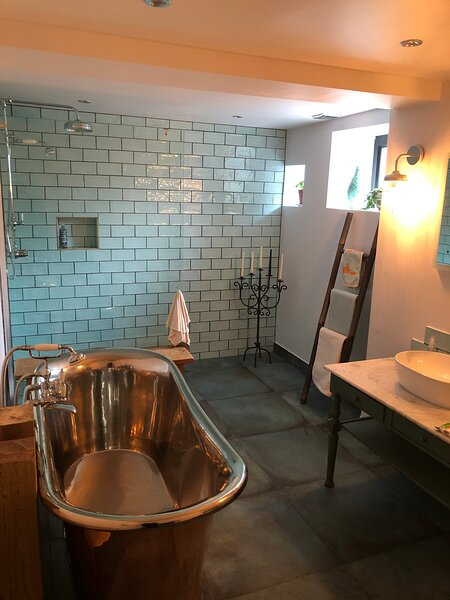 Chorlton Garden Rooms. Relax, work, stay & play, location de vacances à Lymm