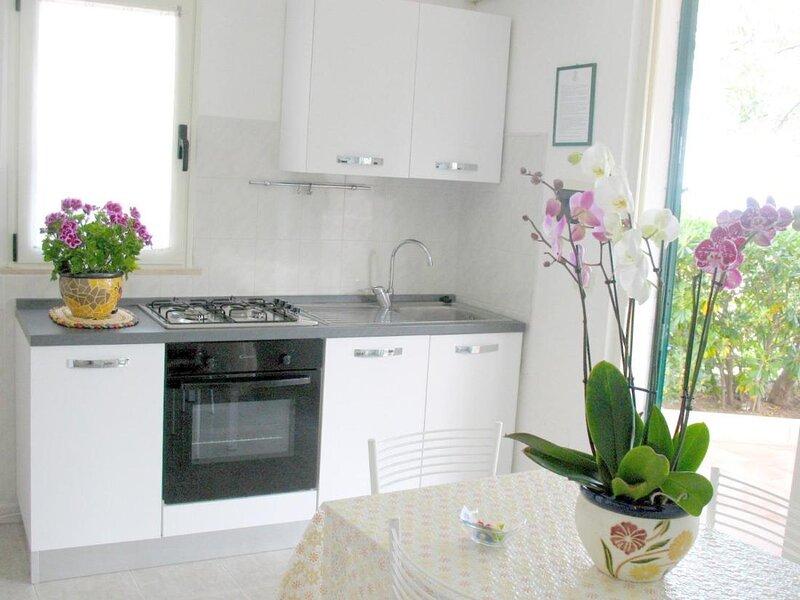 Residence Maresol Two-bedroom Villa with Terrace Sea View, location de vacances à Pugnochiuso
