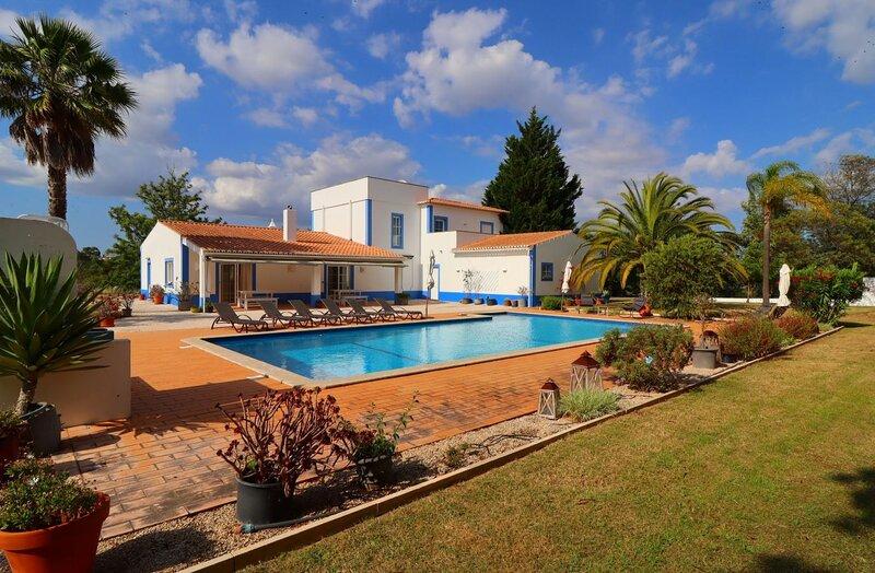Quinta do Lamy * Privat Pool * Garden * Privacy * Benagil Beach * Lagoa, aluguéis de temporada em Lagoa