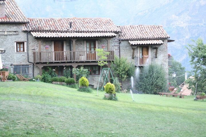 Beautiful apartment in Ardanué, holiday rental in Bisaurri