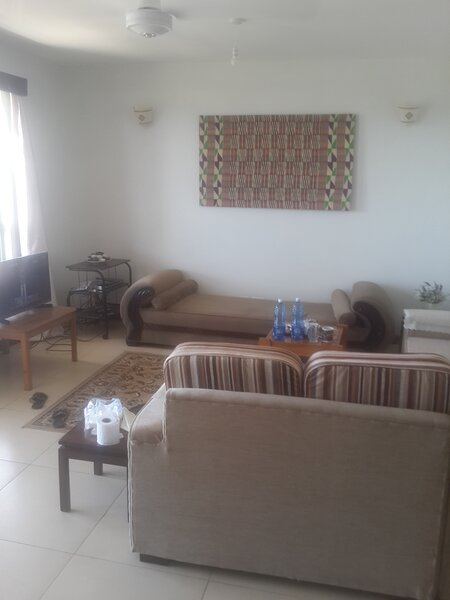 Shanzu Beach Homes Apartment with Stunning Ocean view, holiday rental in Vipingo