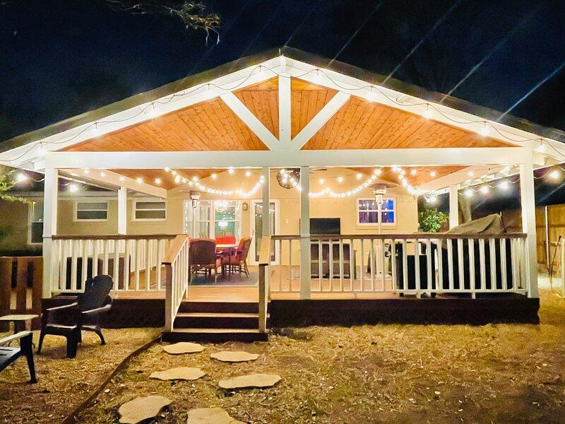 3 BR Cozy East Dallas Home w/ Perfect Patio!, location de vacances à Mesquite