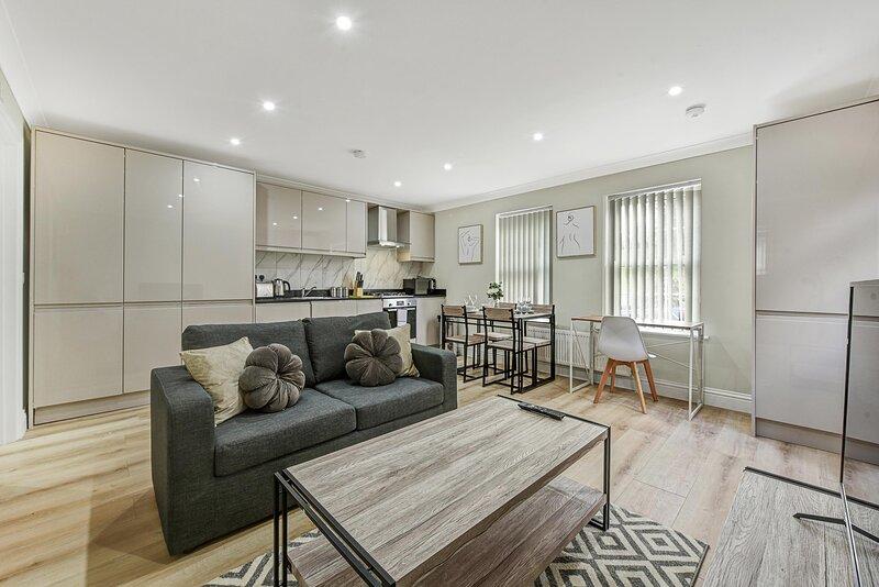 01 - Deanway Serviced Apartments Chalfont St Giles - Apt A, Ferienwohnung in Denham