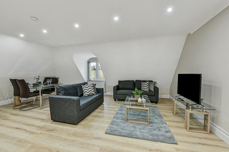 08 - Deanway Serviced Apartments Chalfont St Giles - Apt D, Ferienwohnung in Denham
