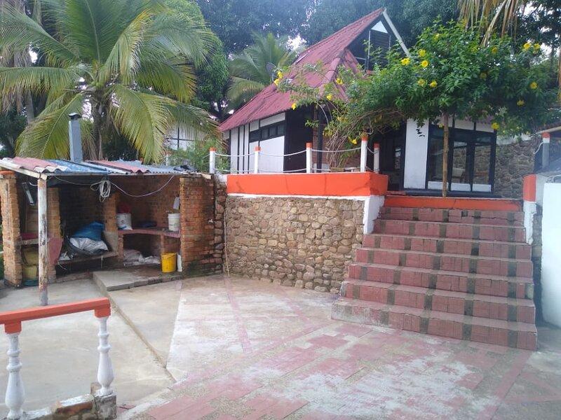 Hermoso chalet, location de vacances à Guamo