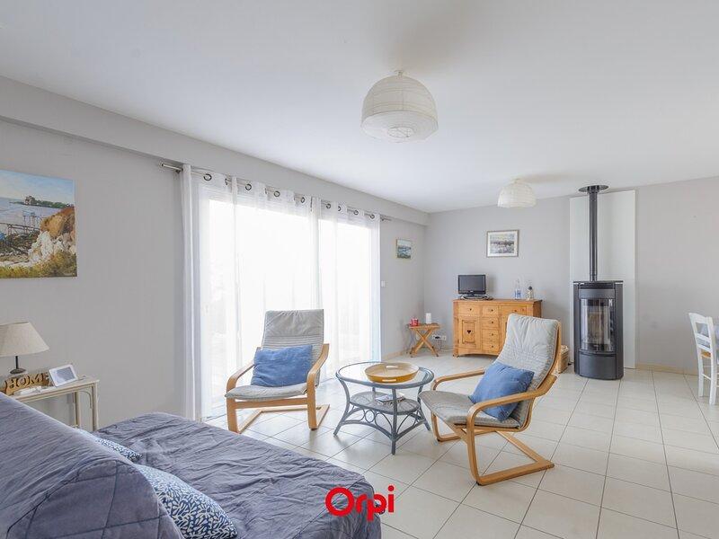 Proximité Plage / Mer, Plain Pied 6 Personnes Tout Confort WIFI, vacation rental in La Jarrie