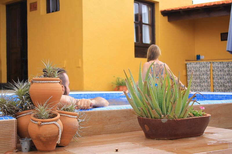 Finca La Majadera Exclusive and private Villa I Bedroom with pool and BBQ, holiday rental in Llano del Moro