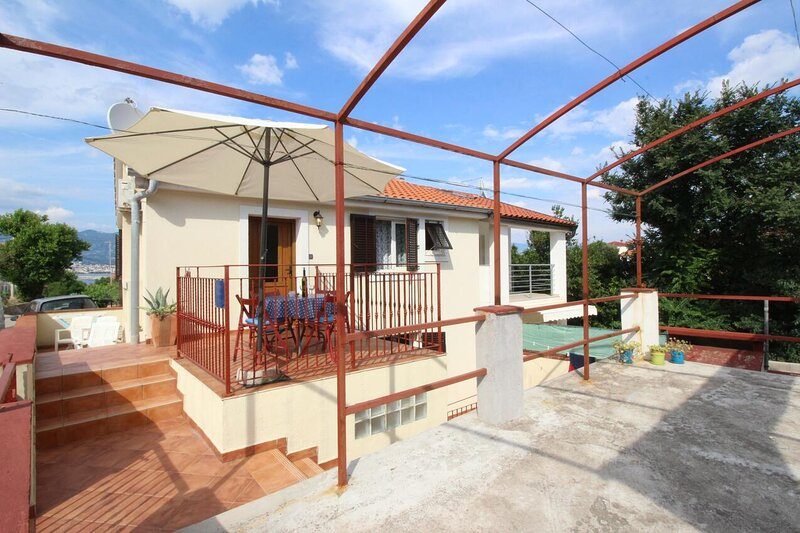 Two bedroom apartment Šilo, Krk (A-18689-a), holiday rental in Silo