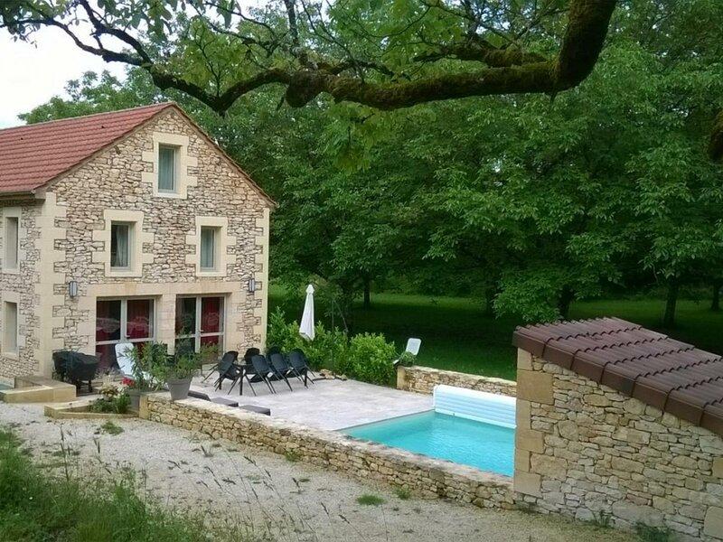 La Noyeraie, casa vacanza a Saint-Cybranet
