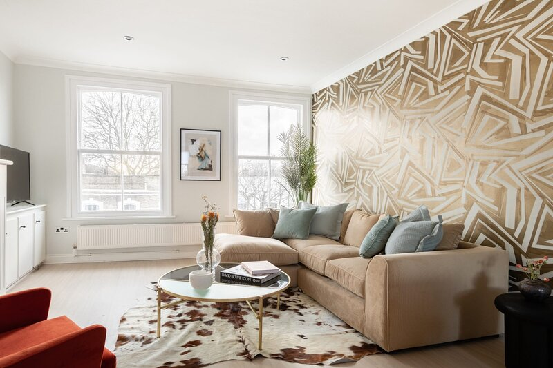 The Stoke Newington Common - Modern & Bright 3BDR Apartment, holiday rental in Haringey
