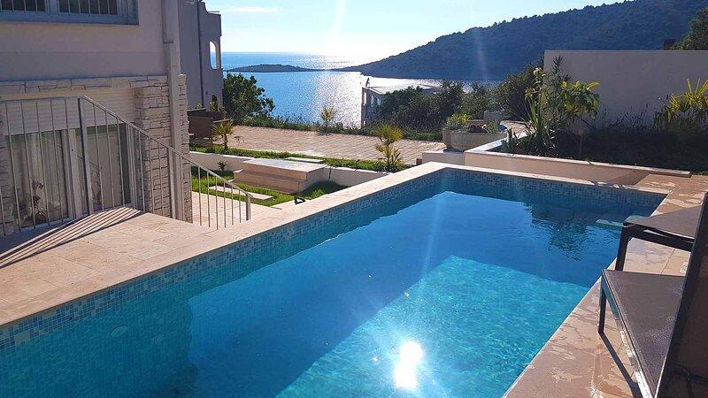 Villa Stella with private pool for 12 persons - EOS CROATIA, holiday rental in Razanj