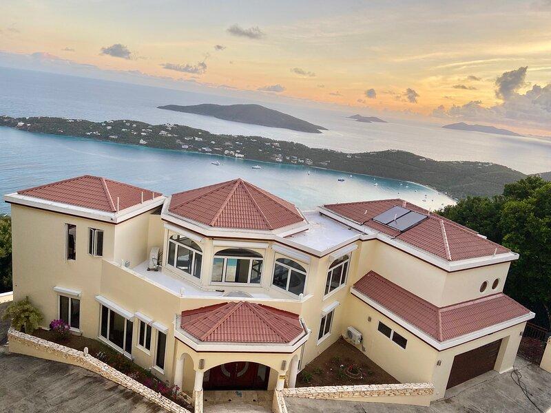 Villa Elegance - New Modern Ocean View Villa, aluguéis de temporada em Magens Bay