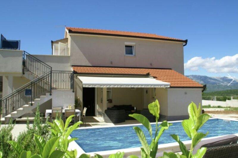 Villa Peso, vacation rental in Vedrine