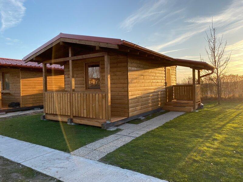 Chata pri jazere 1 - Lake side cottage, location de vacances à Trnava Region