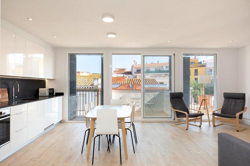 Deluxe apartment with wifi 100MB optical fiber, casa vacanza a Sant Feliu de Boada
