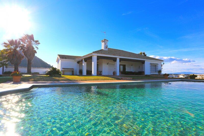 LAS BREÑAS Premium Rural Villa 4PAX, location de vacances à Alhaurin de la Torre