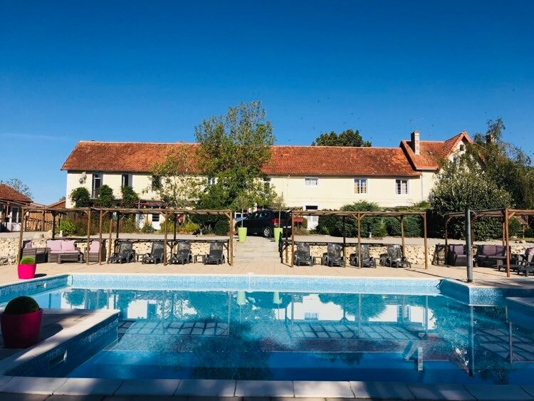 Le Campsis - Fabulous apartment, beautiful pool, restaurant and play area, holiday rental in Boresse et Martron