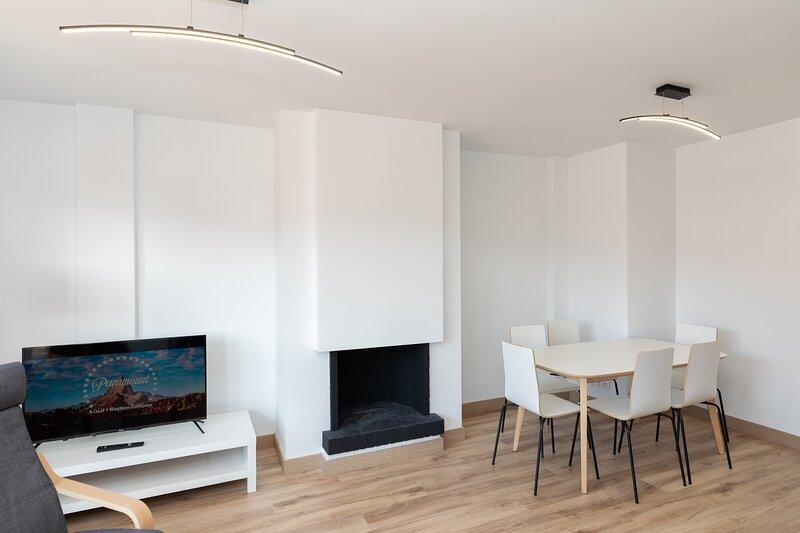Apartment in the center 500m beach of St. Feliu de Guíxols, aluguéis de temporada em Sant Feliu de Guixols