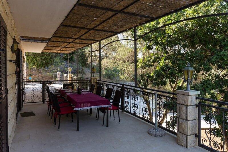 Rooms Villa Bašica - Basic Double Room with Forest View, casa vacanza a Saplunara