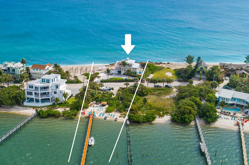 Avalon: 7BR/4BA Ocean-to-River Palace; Heated pool, hot tub, private dock, more!, holiday rental in Port Salerno