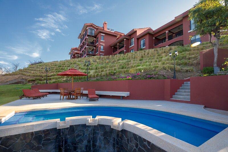 A14 - Luxury Reserva Conchal Ocean View Condo Terrace 3 Bedroom, alquiler vacacional en Huacas